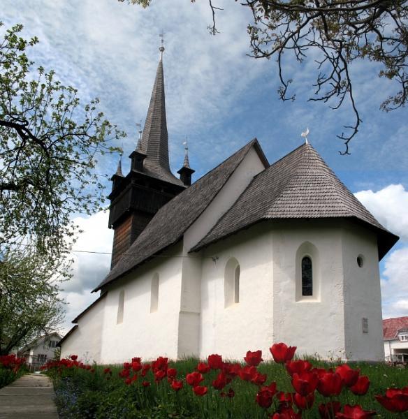 Proč je vytápění kostelů topnými koberci TERKO nejvýhodnější?